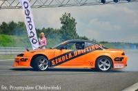 pokaz driftu w wykonaniu Macieja Polody ze szkola.drifting.pl